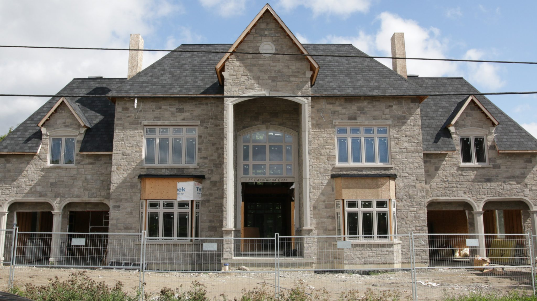 Indiana Limestone And Permacon Lafitt Amplify Masonry