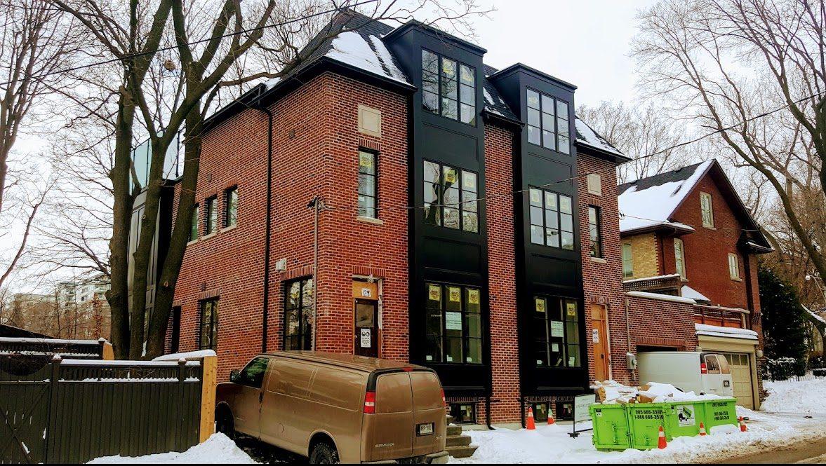 Custom homes masonry amplify masonry contracting for Custom brick homes