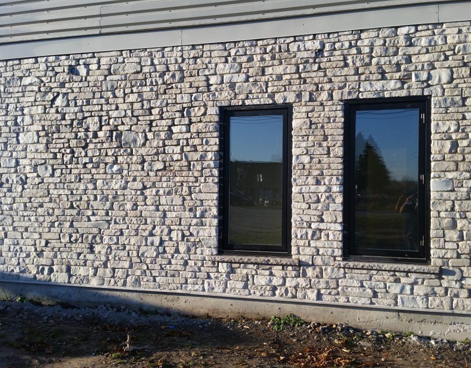 Commercial stone veneer